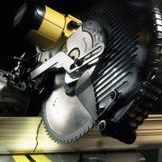DEWALT-dw717xps-mitre-saws-3_1